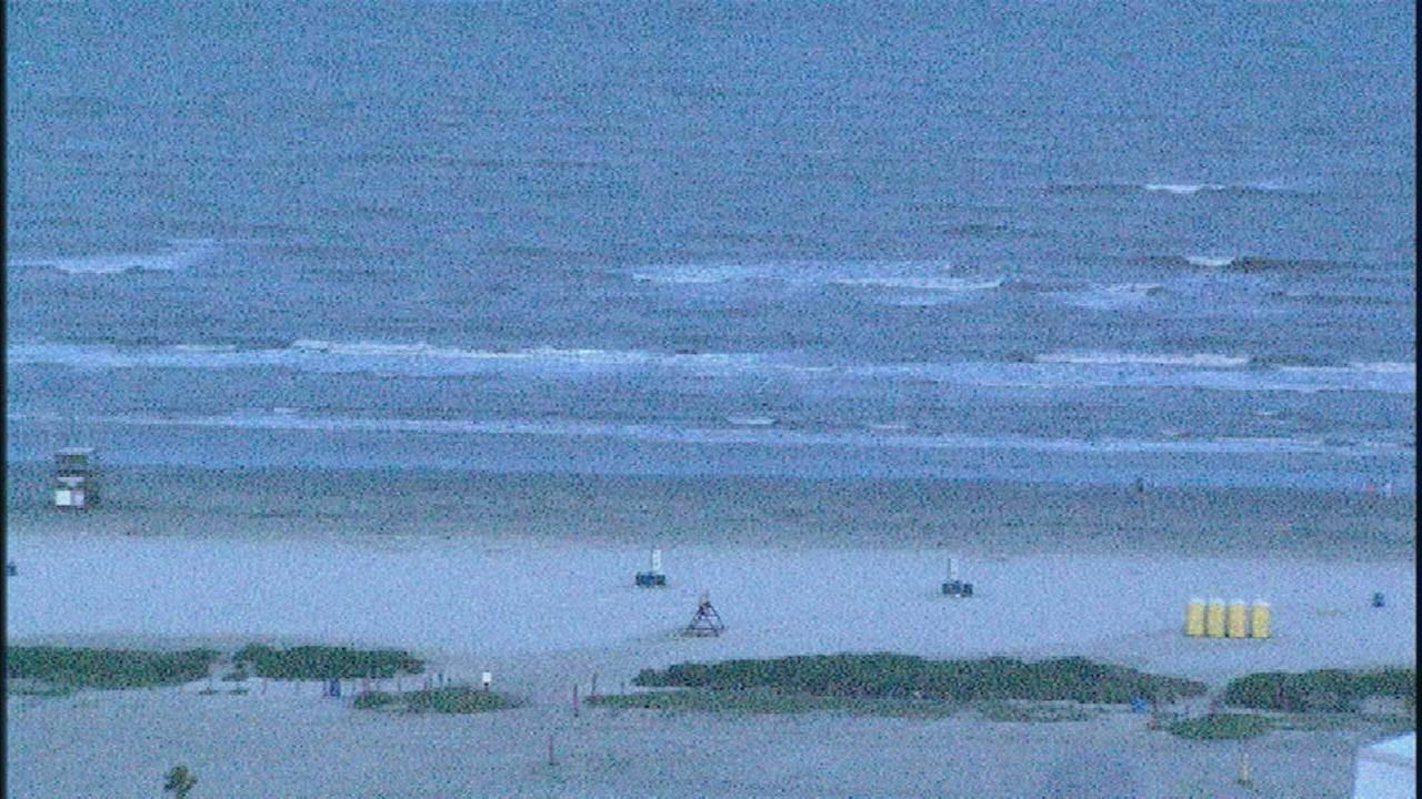 Man drowns on Galvestons East Beach