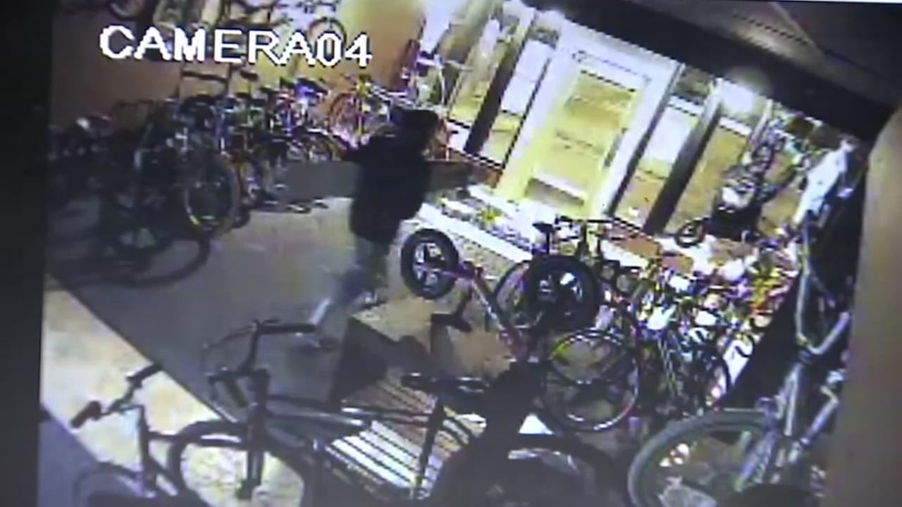 072915-komo-thievs-burglarize-brewery-vid