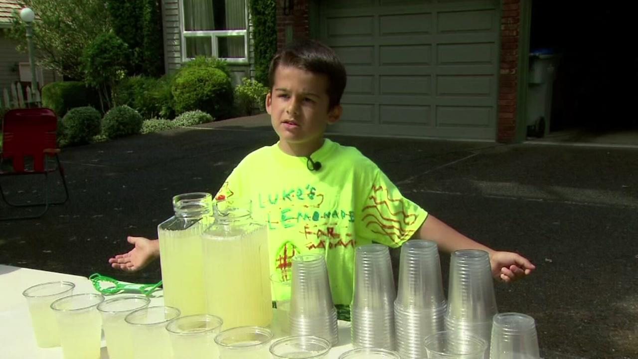 081715-koin-boy-lemonade-stand-vid