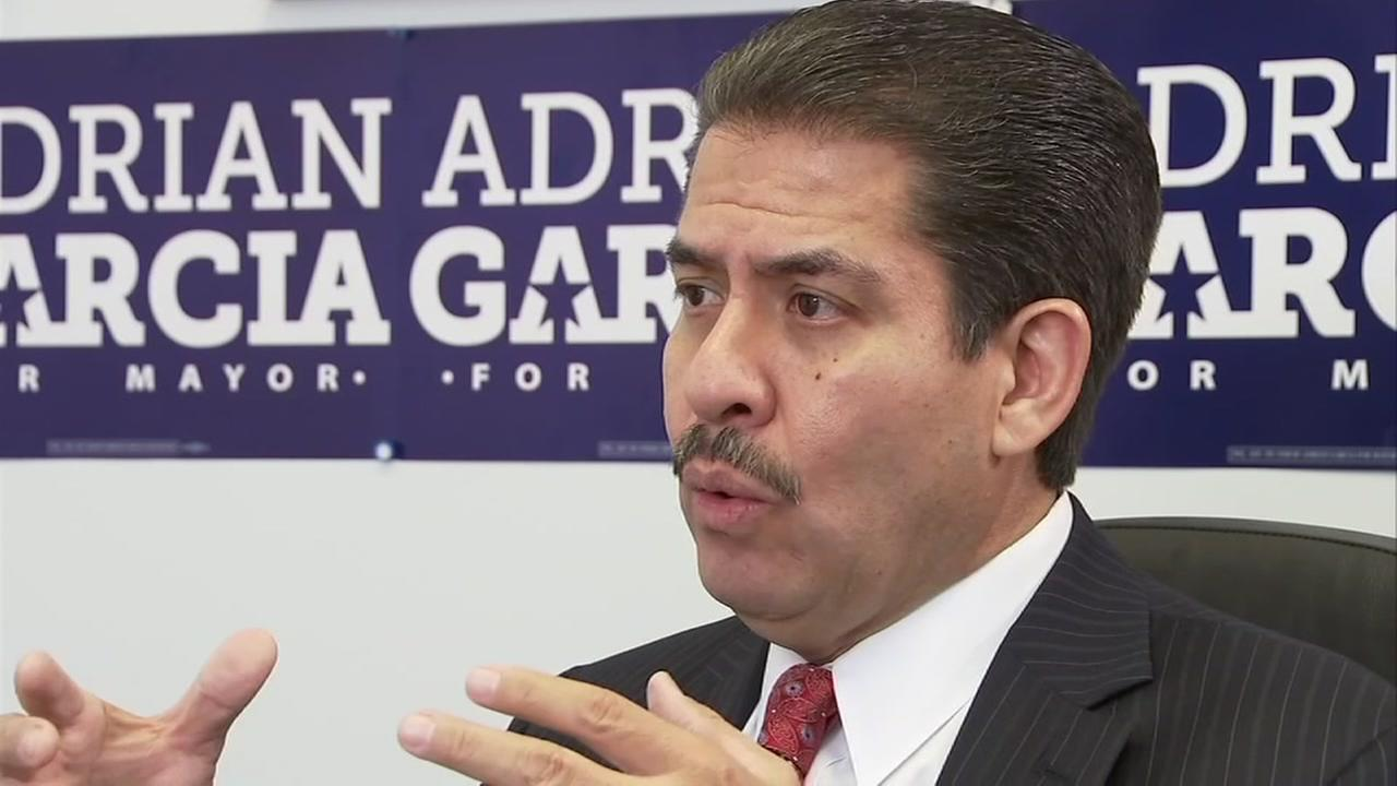 082615-ktrk-mayor-adriangarcia