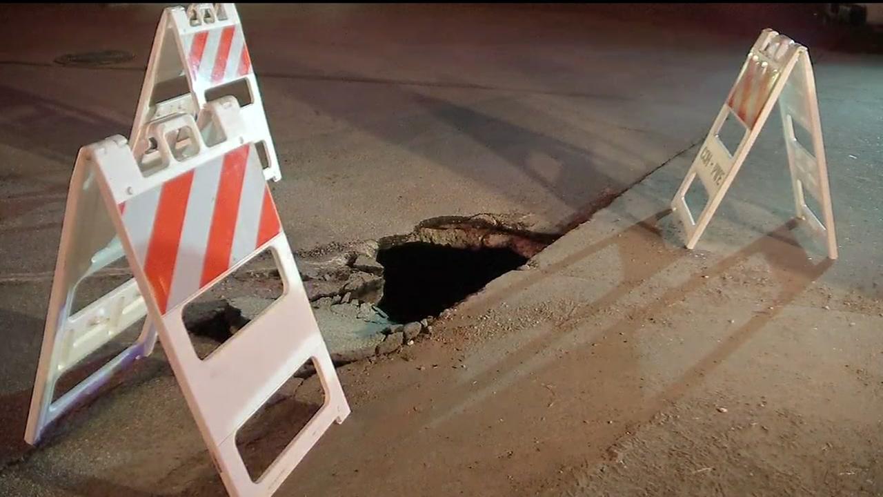 091015-ktrk-calumet-pothole-vid