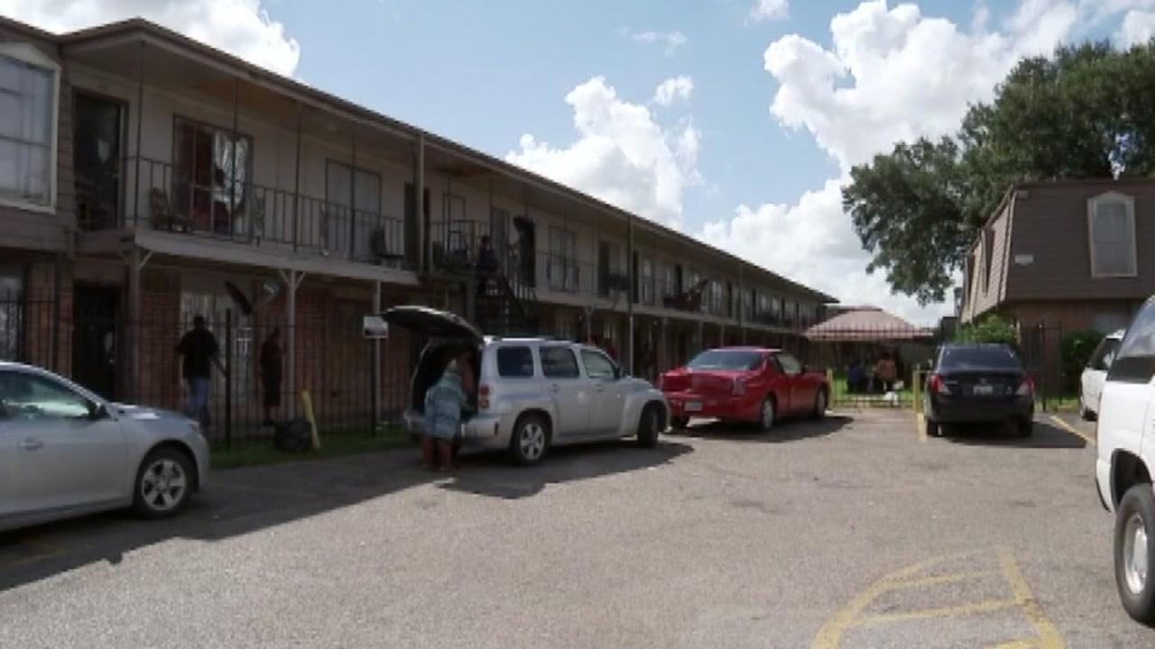 Judge rules city to collect rent in SE Houston slumlord case