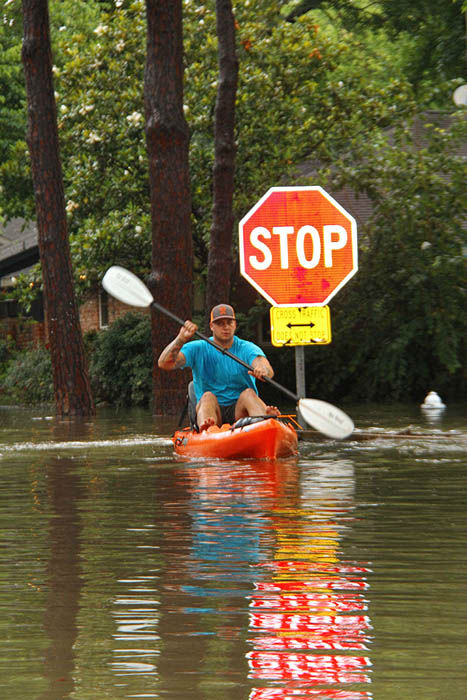 <div class='meta'><div class='origin-logo' data-origin='none'></div><span class='caption-text' data-credit='Photo/Lee Kuruganti'>These are viewer photos of storms that left Houston under water Monday and Tuesday, May 25-26.  Send your photos to us at news@abc13.com</span></div>