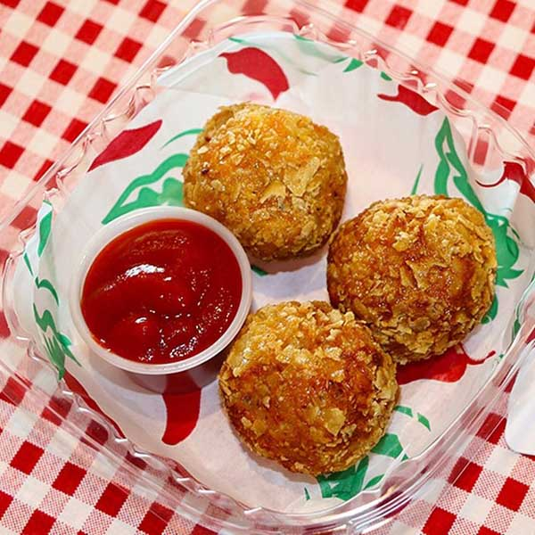 "<div class=""meta image-caption""><div class=""origin-logo origin-image ""><span></span></div><span class=""caption-text"">2014 Big Tex Choice Finalist: Fried Sriracha Balls (State Fair of Texas)</span></div>"