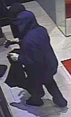 <div class='meta'><div class='origin-logo' data-origin='KTRK'></div><span class='caption-text' data-credit=''>Surveillance images of alleged suspects in Galleria watch burglary.</span></div>