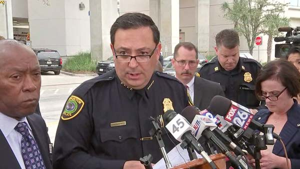 <div class='meta'><div class='origin-logo' data-origin='KTRK'></div><span class='caption-text' data-credit=''>Chief Acevedo on two officers injured in shooting.</span></div>