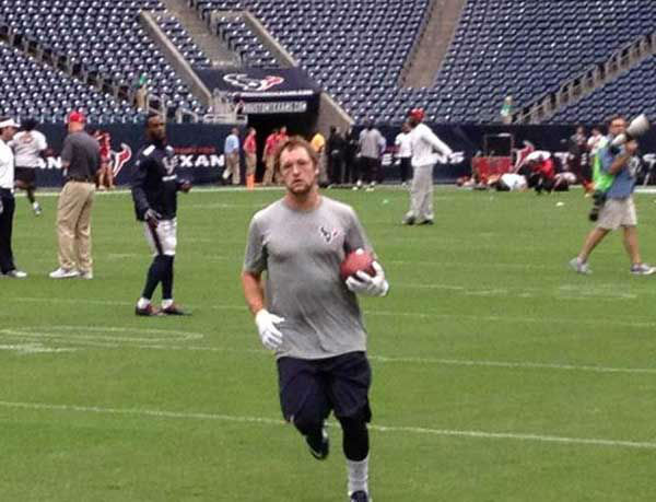 "<div class=""meta ""><span class=""caption-text "">Photos from inside and outside Reliant for Thursday's preseason finale between the Texans and 49ers (Photo/ABC-113)</span></div>"