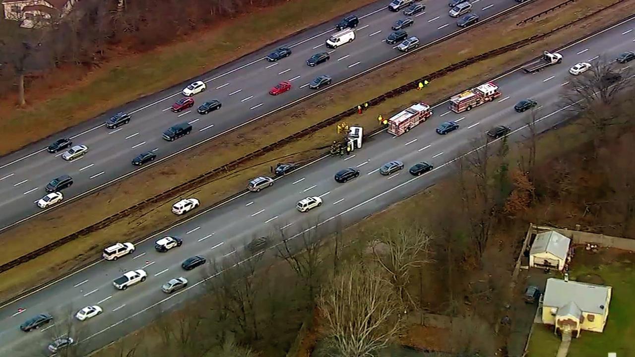 Garden State Parkway van wreck in Woodbridge leaves 7 hurt | abc7ny.com