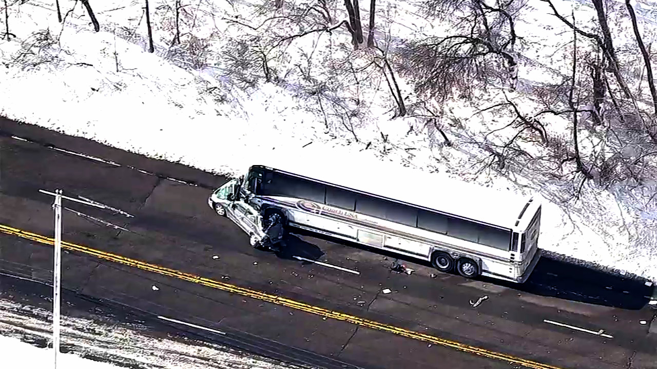 1 dead in head-on crash involving bus, car on Route 17 in Tuxedo, NY ...