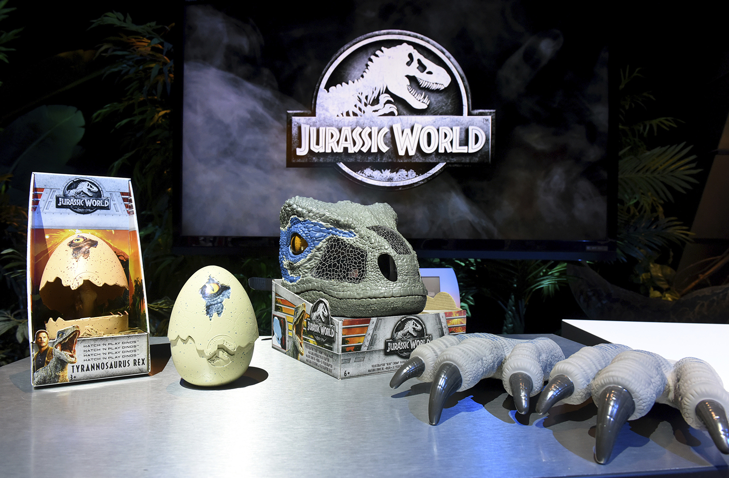 <div class='meta'><div class='origin-logo' data-origin='AP'></div><span class='caption-text' data-credit='Diane Bondareff/AP Images for Mattel'>The Jurassic World Chomp and Roar Mask features realistic details like skin texture and color, real moving eyes and teeth.</span></div>