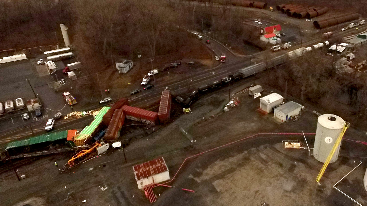 CSX derailment: 'Close to a miracle'; cleanup through Thursday