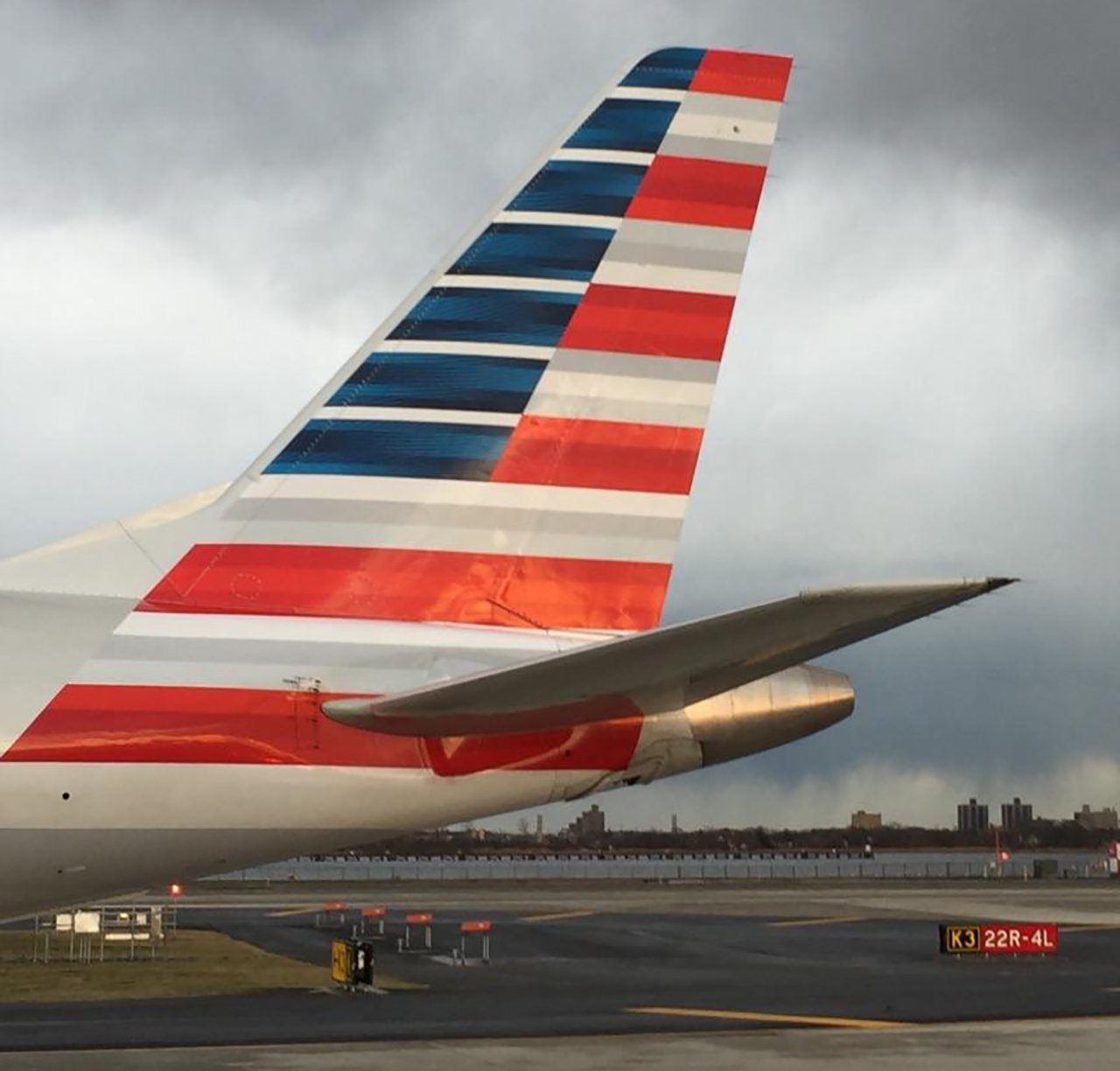American airlines sager upp 5 000