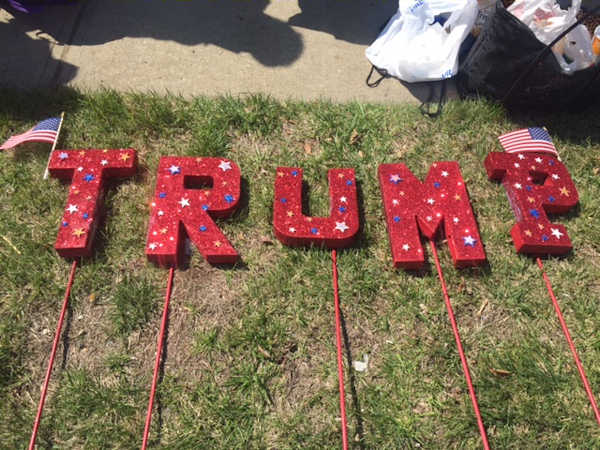 """<div class=""""meta image-caption""""><div class=""""origin-logo origin-image none""""><span>none</span></div><span class=""""caption-text"""">Demonstrators for and against Republican presidential candidate Donald Trump gathered before his campaign rally in Bethpage.</span></div>"""
