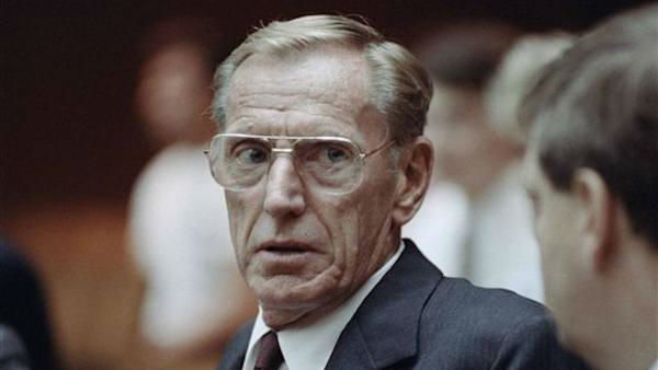 Charles H. Keating Jr., the disgraced financier who was imprisoned for his role in the costliest savings and loan failure of the 1980s, died on Apr. 1, 1990. He was 90.