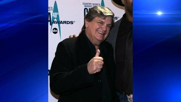 Phil Everly, one half of the pioneering Everly Brothers harmony duo that sparked the imaginations of rock &#39;n&#39; roll singers for decades, has died. He was 74. <span class=meta>(AP Photo&#47;Chitose Suzuki)</span>