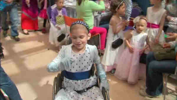 Sloan Kettering held a prom for patients in their pediatric unit.