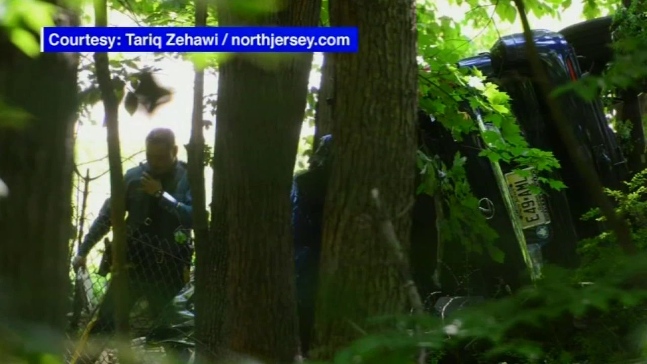 2 Found Dead After Car Goes Off Road On I 287 In Mahwah