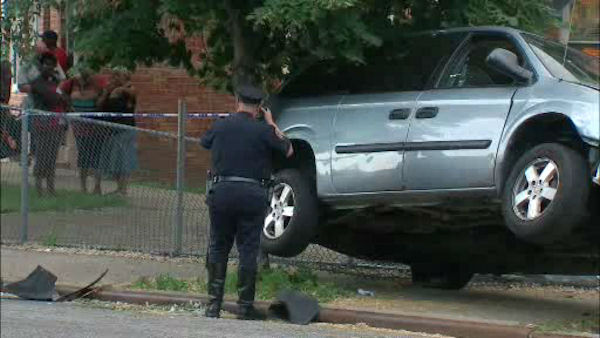 A mother and her two daughters were struck by a stolen minivan in Flatlands, Brooklyn on Wednesday afternoon. <span class=meta>WABC Photo/ WABC</span>