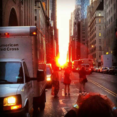 "<div class=""meta image-caption""><div class=""origin-logo origin-image ""><span></span></div><span class=""caption-text"">Eyewitness News viewers sent us their photos of Manhattanhenge, where the sunset aligns with Manhattan's grid, creating a glow down every cross street.   (@RPP16)</span></div>"