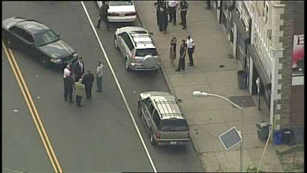 The officer was shot in the leg on Clinton Avenue in Newark Wednesday afternoon. <span class=meta>WABC Photo/ WABC</span>