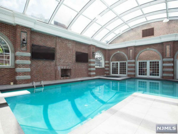"<div class=""meta image-caption""><div class=""origin-logo origin-image none""><span>none</span></div><span class=""caption-text"">Alicia Keys' Englewood, New Jersey, home is on the market for $14.9 million (Photo/Prominent Properties Sotheby's)</span></div>"