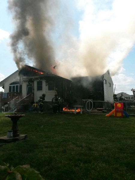 "<div class=""meta ""><span class=""caption-text "">Numerous animals were killed when a fire broke out inside a home in Clifton, New Jersey. The home contained a pet sitting business. (Jasiu Kutarnia)</span></div>"