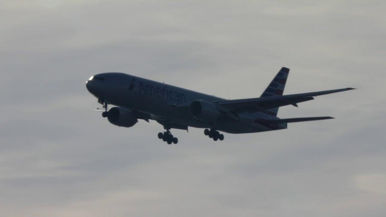 Pope Francis plane prepares for landing at John F. Kennedy International Airport in New York City on Thursday, Sept. 24, 2015.