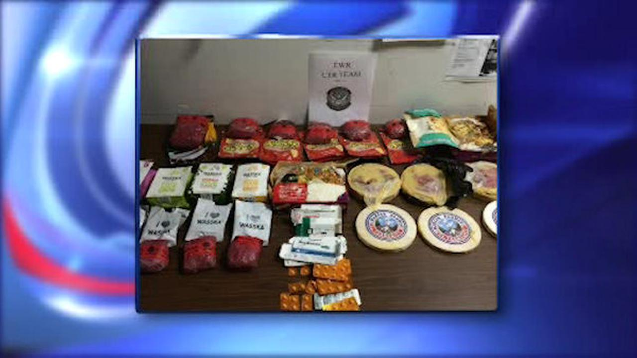 Officials: Man at Newark Airport had 10 pounds of cocaine in food