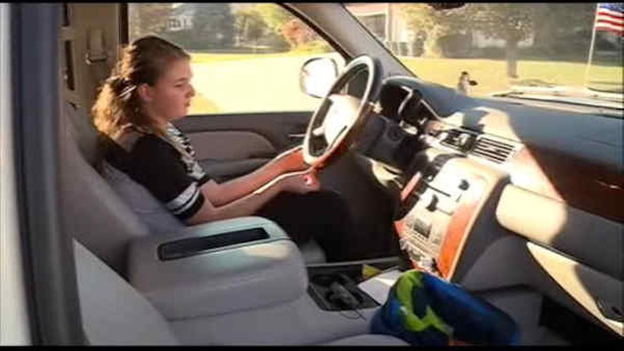 11-year-old girl takes wheel after mom has seizure in Iowa