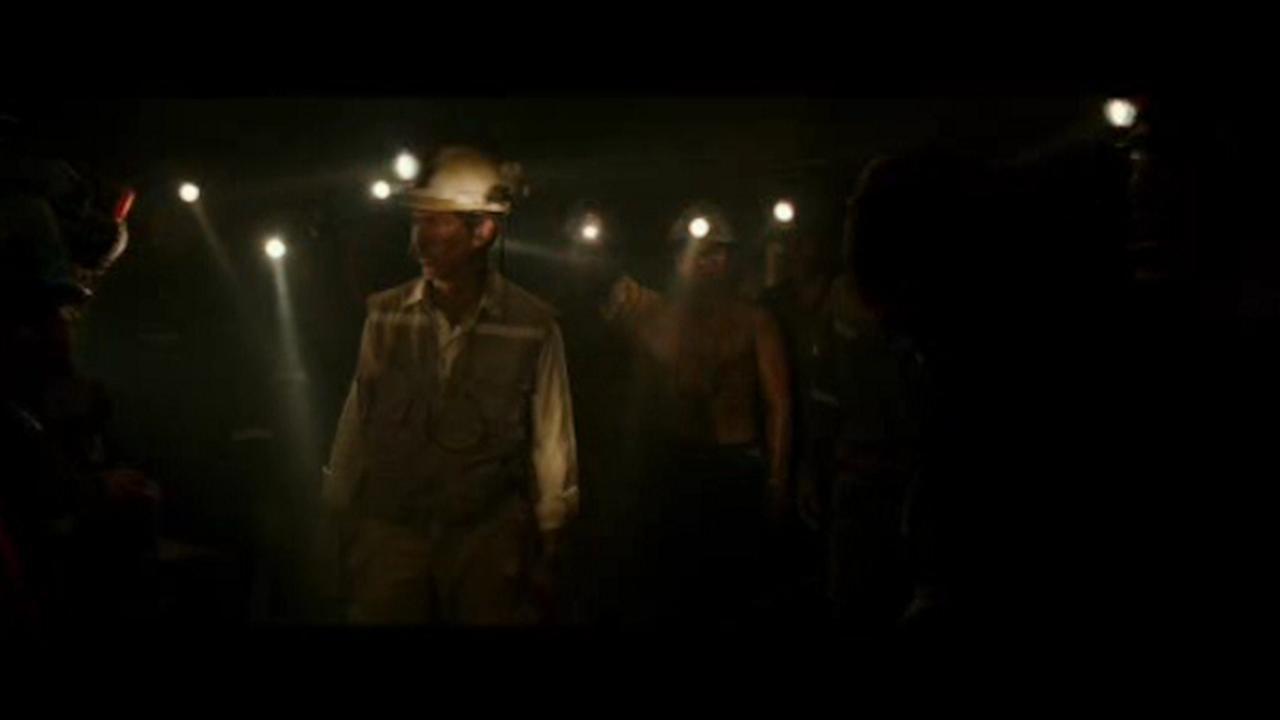 Sandy Kenyon reviews Chilean mine rescue film 'The 33'