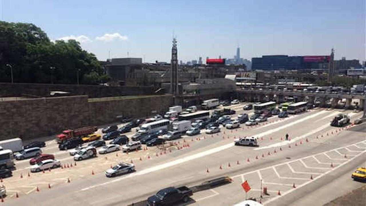 Traffic backed up on the New Jersey side of the Lincoln Tunnel on June 10, 2015 (AP Photo/Julio Cortez)