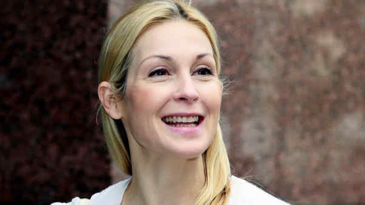 Actress Kelly Rutherford arrives at a Los Angeles Courthouse on Thursday, July 9, 2015.