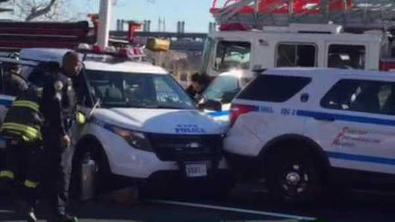 4 NYPD cars involved in chain-reaction accident on the FDR Drive