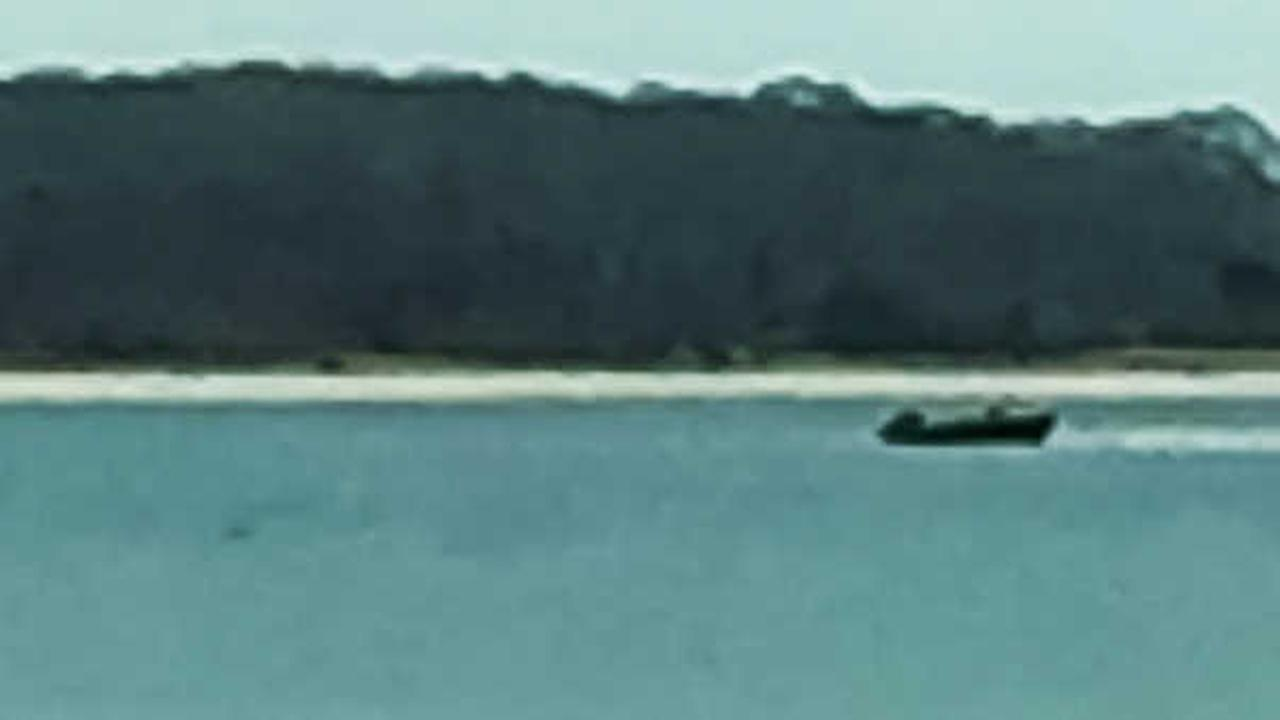 3 rescued after boat becomes stuck in sandbar off Long Island coast