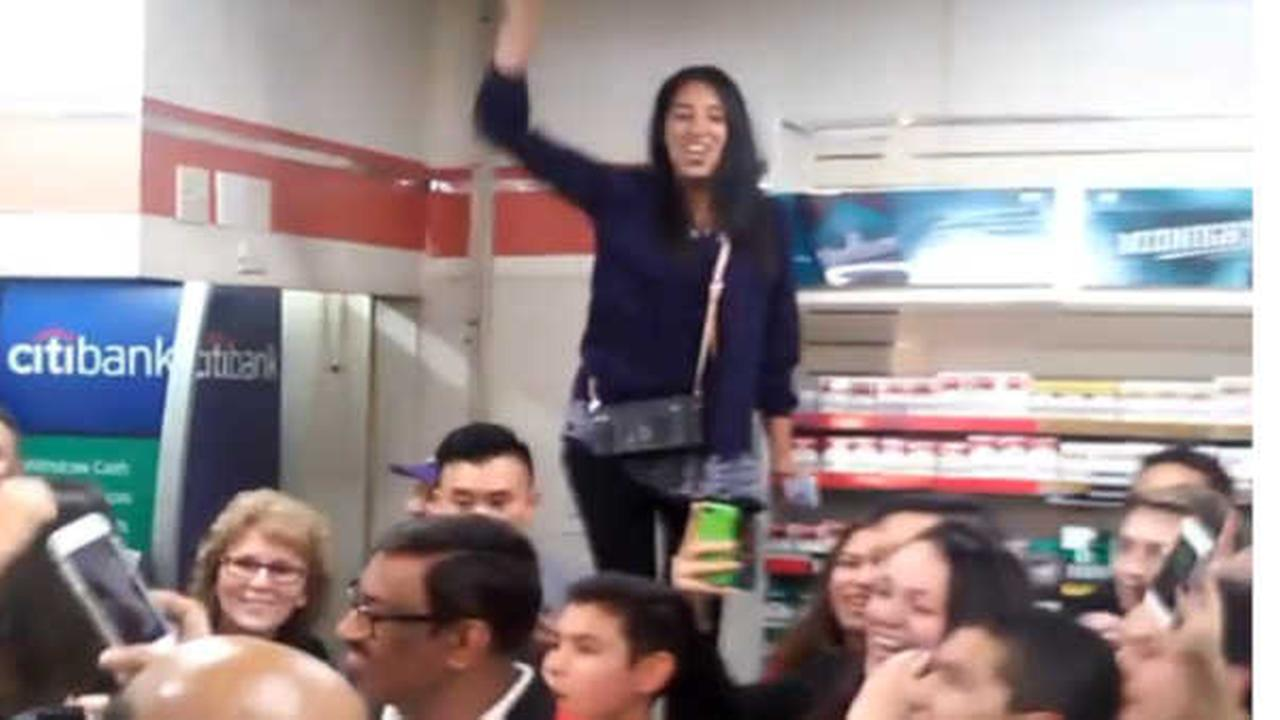 Crowds gather at winning Powerball 7-Eleven in Chino Hills, California