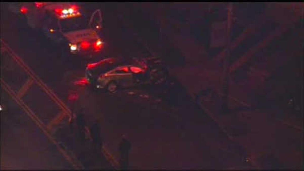 Woman dies after crashing car into fire hydrant on Staten Island
