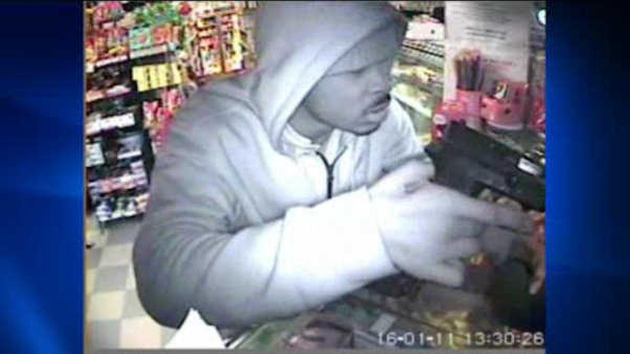 Search on for three suspects in armed robbery of Brooklyn deli