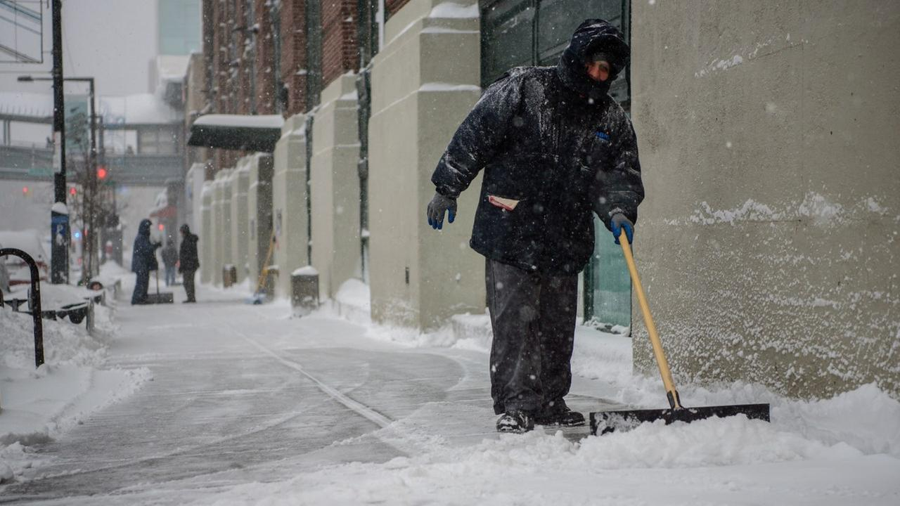 Here's how you can make $13.50/hour helping dig out NYC after snowstorm