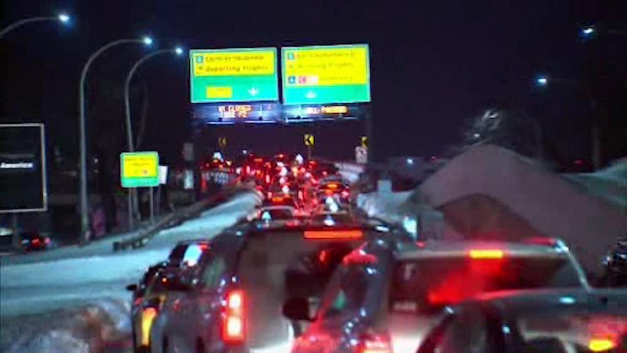 Massive gridlock plagues travelers at LaGuardia Airport