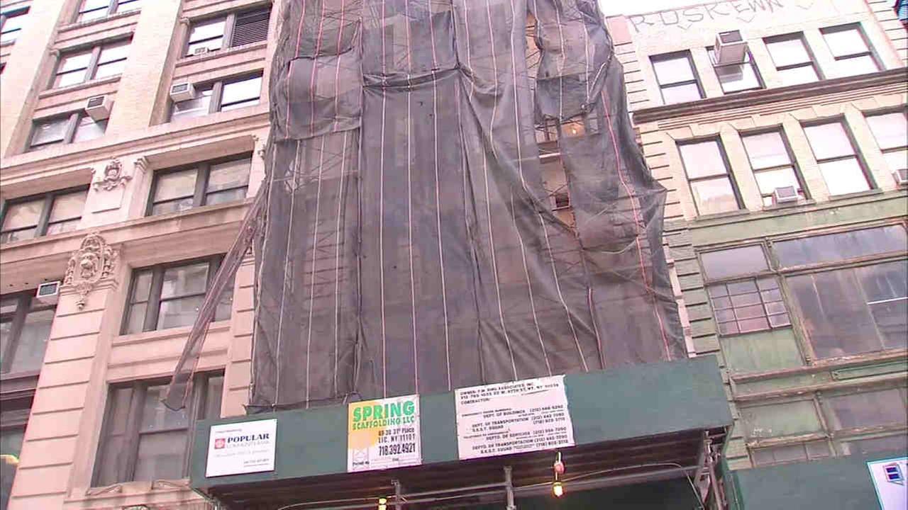 Construction worker falls down elevator shaft in Chelsea building under renovation