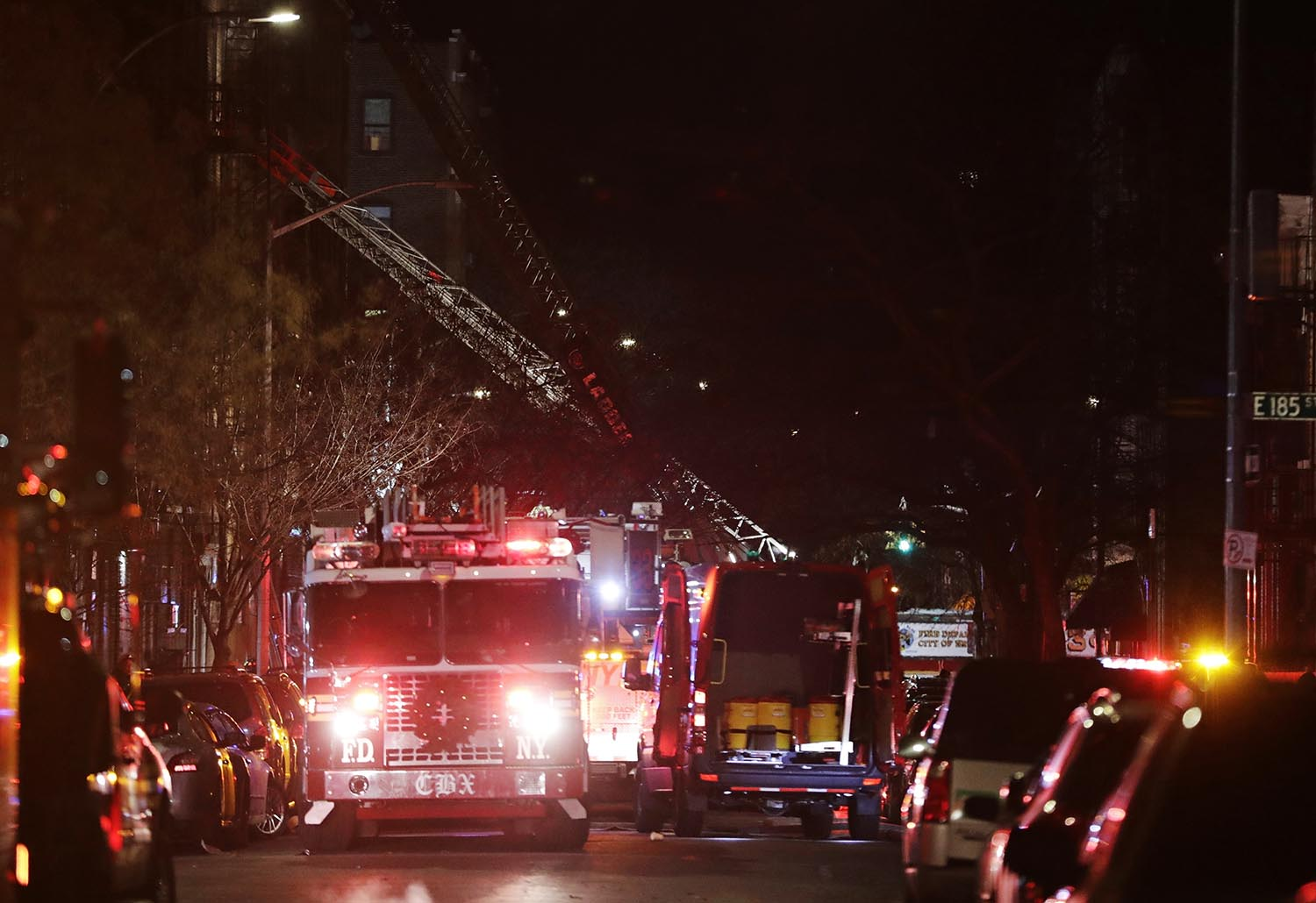 <div class='meta'><div class='origin-logo' data-origin='AP'></div><span class='caption-text' data-credit='AP Photo/Frank Franklin II'>Firefighters respond to a deadly fire Thursday, Dec. 28, 2017, in the Bronx borough of New York.</span></div>