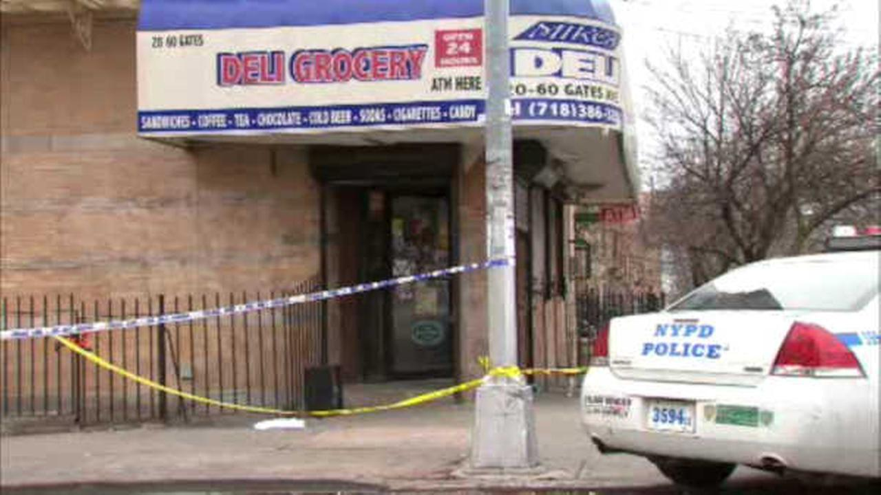 Police: Gunman commits suicide after suspected of shooting 2 Queens deli workers