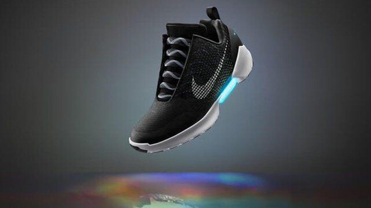 Nikes HyperAdapt 1.0 - a self-lacing shoe!