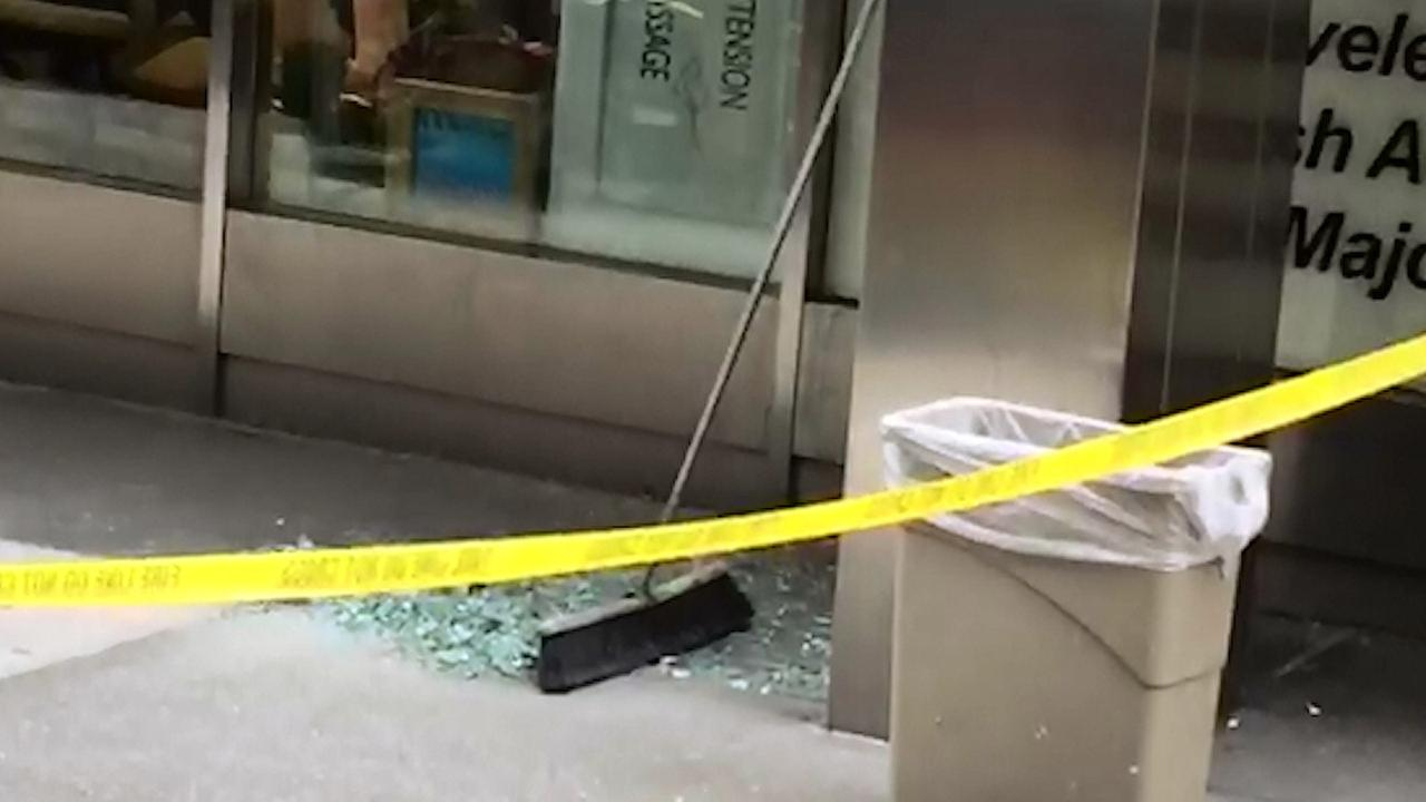 Glass falls from DoubleTree Hotel in Midtown, 1 pedestrian injured