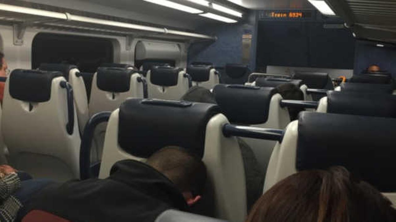 Hundreds of New Jersey Transit passengers left stranded after train becomes disabled