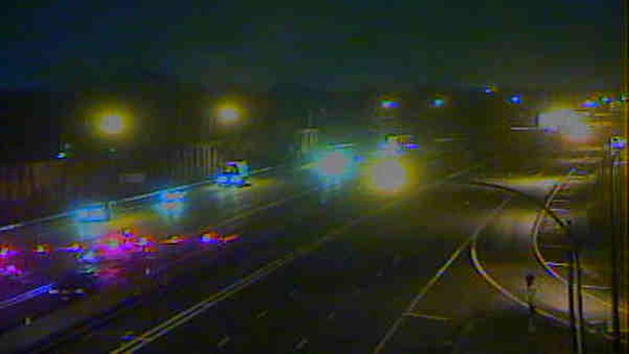 Long Island Expressway EB closes in Jericho after pedestrian struck, killed