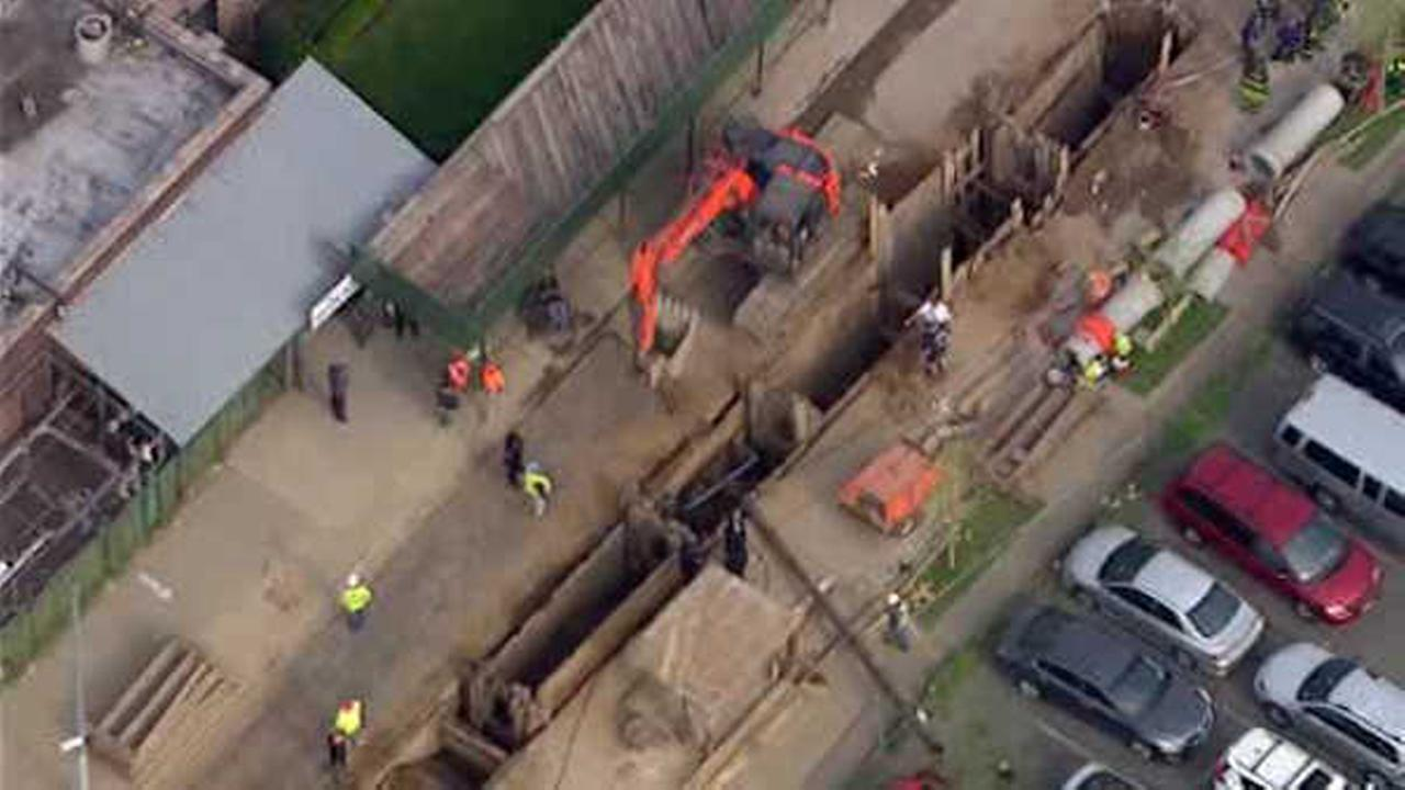 Construction worker critically injured after falling into trench in Brooklyn