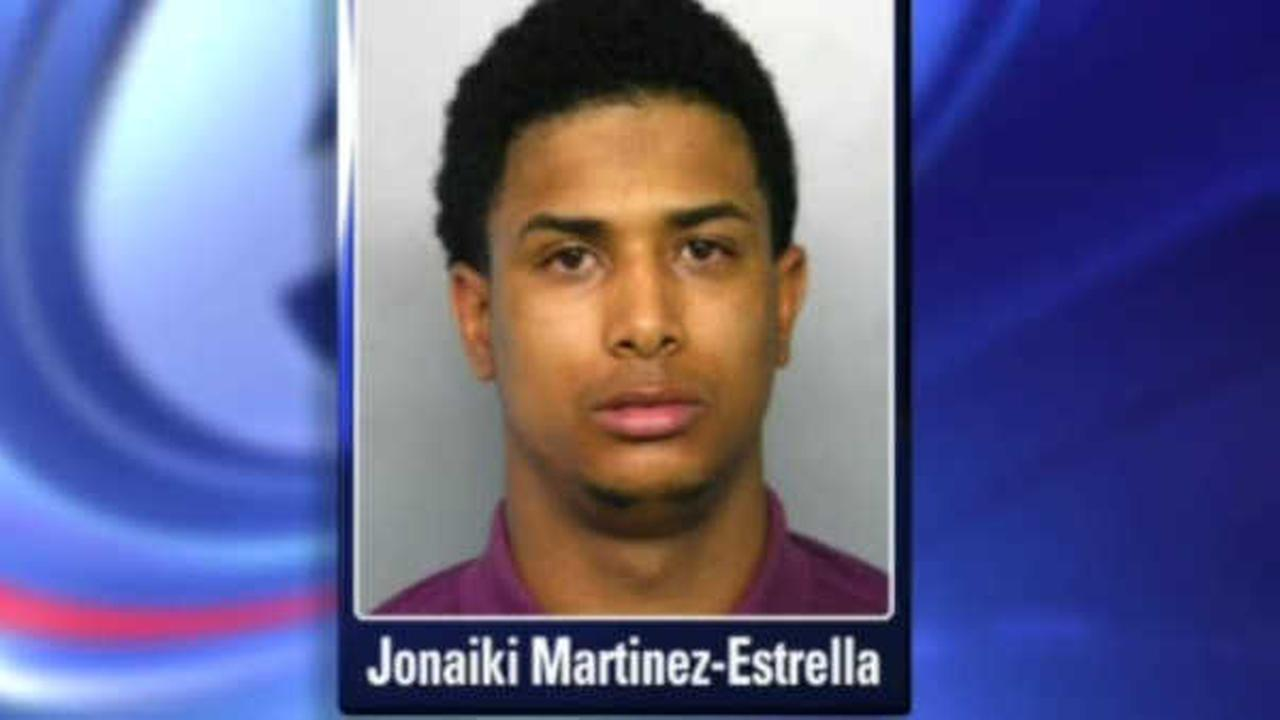 Man arrested after teen hit repeatedly with golf club in violent Freeport robbery