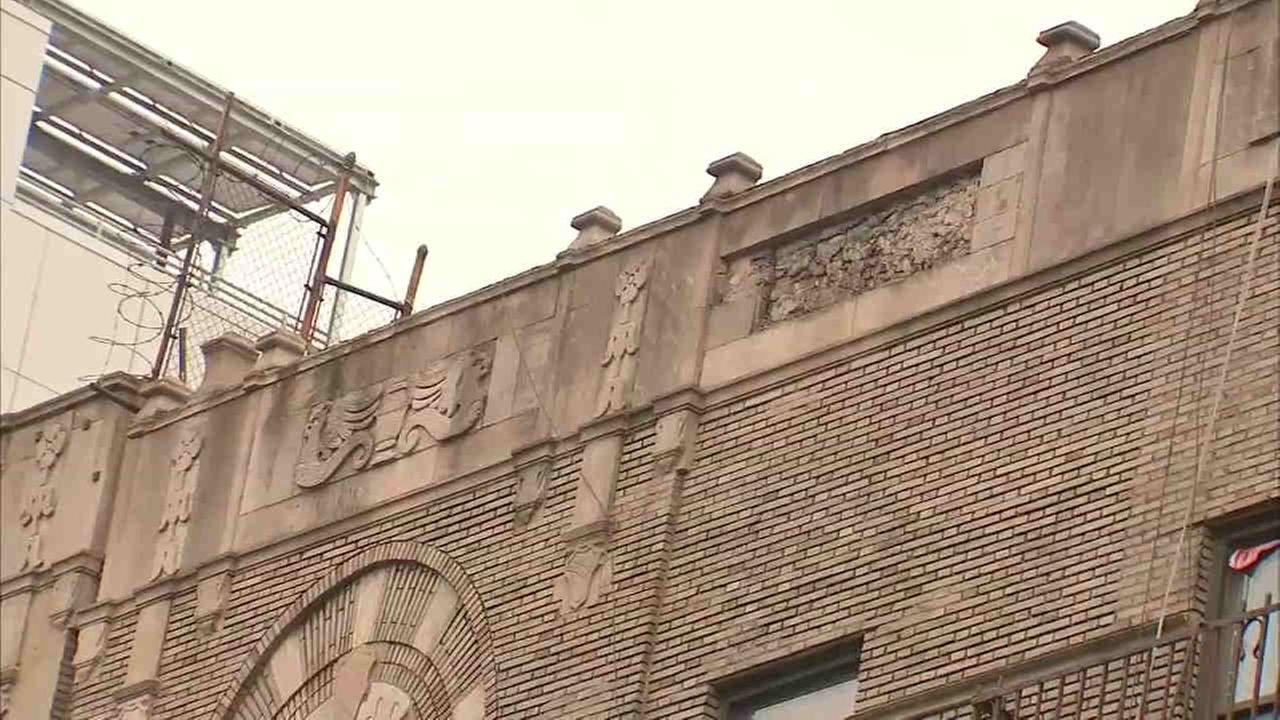 Section of Bronx building facade falls to sidewalk