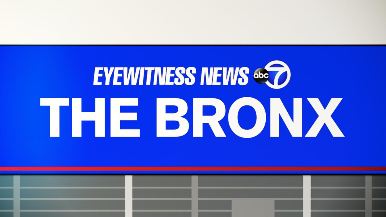 2 injured, including FDNY firefighter, in house fire in the Bronx